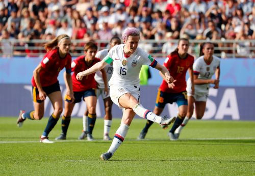 Megan Rapinoe scores two penalty kicks as USA edges Spain to advance to World Cup quarterfinals