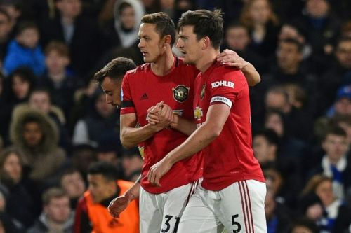 Man Utd stun Chelsea to close gap on top four