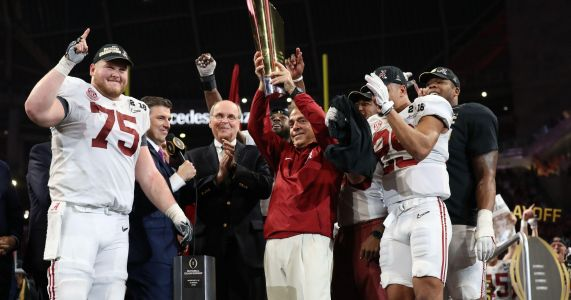 Alabama, Georgia dominate preseason SEC college football media poll
