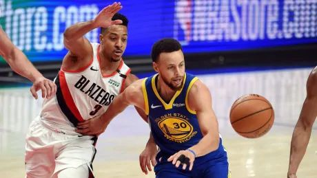 Warriors sweep Trail Blazers to reach 5th straight NBA Finals
