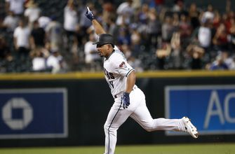 D-backs sign Escobar to 3-year, $21 million contract