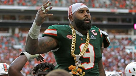 Hurricanes' Gerald Willis III to miss Pinstripe Bowl after suffering hand injury
