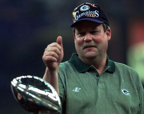 Former coach Mike Holmgren says Packers 'didn't handle it very well' with Aaron Rodgers