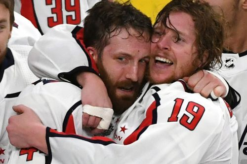 Capitals star: My finger 'kinda fell off' during Stanley Cup finals