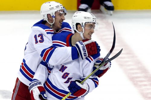 Rangers find way to win back-and-forth game in shootout