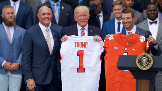 Trump promises fast food feast for Clemson's White House visit