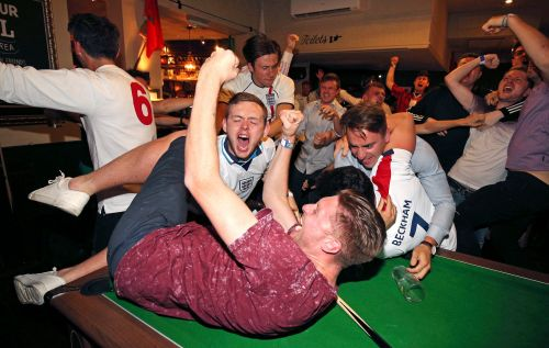 England fans go crazy over Harry Kane's goal