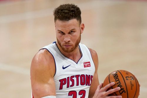 AP source: Blake Griffin agrees to deal with Nets