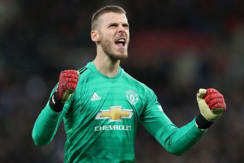 David de Gea's brilliance keeps Manchester United revival going