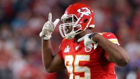 Chiefs, Jones finalize terms of 4-year, $85M US extension: report