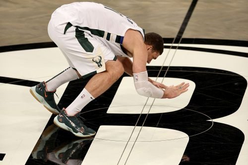 Brook Lopez slapped Nets logo at midcourt after Bucks' Game 7 win