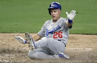 Pedroia, Utley embrace elder role for Red Sox, Dodgers