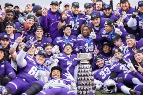 Western Mustangs rout Guelph Gryphons to capture Yates Cup