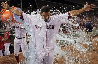 Hernández walk-off, single lifts Red Sox over White Sox 6-5
