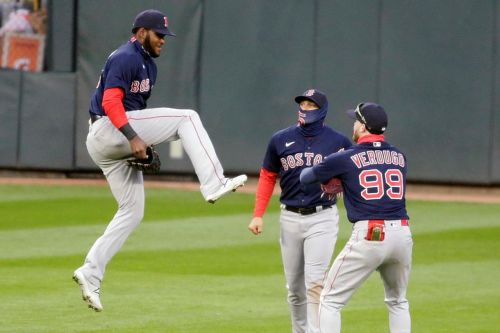 Red Sox sweep doubleheader from Twins, extend streak to 9