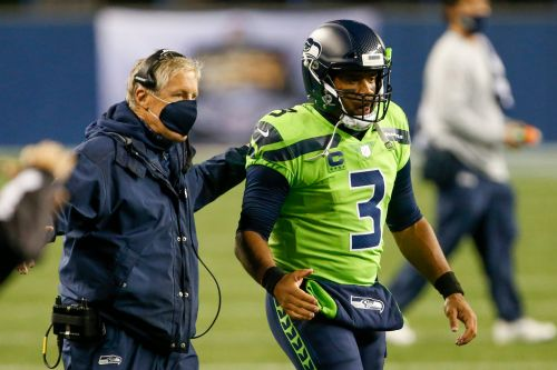 Russell Wilson's camp has discussed multiple trade destinations with Seahawks, per reports