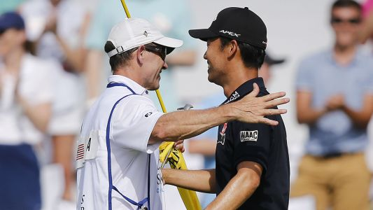Charles Schwab Challenge: Kevin Na surprises caddie with unique gift