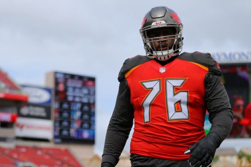 Buccaneers' Donovan Smith: NFL players' return to action amid coronavirus pandemic 'does not seem like a risk worth taking'
