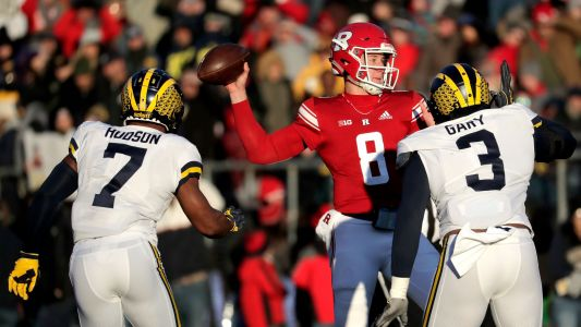Michigan football continues dominance in race for College Football Playoff