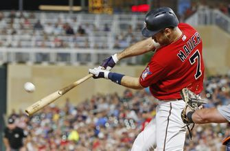 Mauer pinch-hit homer helps Twins to 5-4 win over Tigers