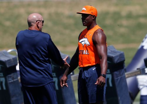DeMarcus Ware now a consultant for Broncos' pass rushers