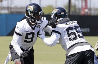Ngakoue rejoins Jaguars, vows to play even without new deal