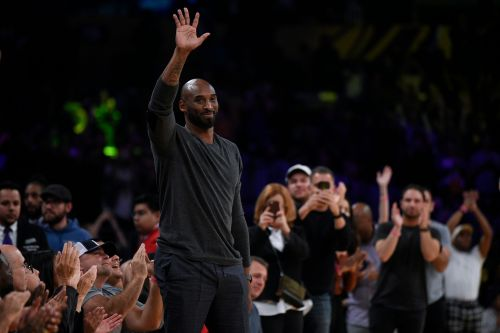 Kobe Bryant inspires Lakers in win over Hawks in Staples Center return