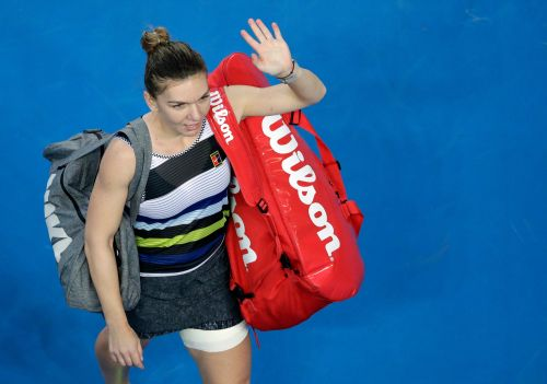 Australian Open Glance: Serena plays Halep in 4th round