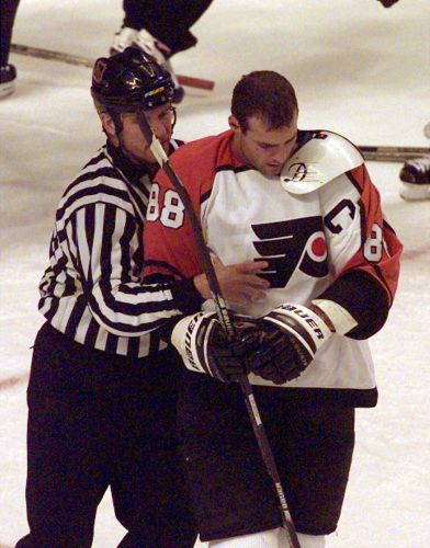 Hall of Famer Eric Lindros' idea to eliminate body contact from NHL should be commended