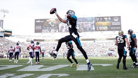 NFL roundup: Jags clinch 1st playoffs in decade, Vikings lock up division