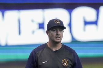 Delayed start should help Brewers' Knebel play all season