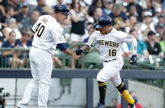 Brewers club four homers, cruise to 6-1 win over White Sox