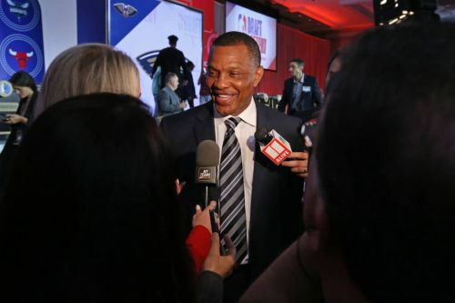 Pelicans Exercise Team Option On Coach Alvin Gentry