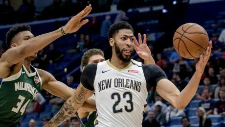Pelicans trade Anthony Davis to Lakers in blockbuster deal: report