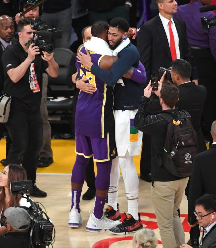 Opinion: LeBron James gets what he wanted as Lakers make move for Anthony Davis