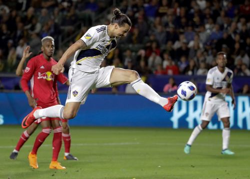 Ibrahimovic re-signs with LA Galaxy as designated player