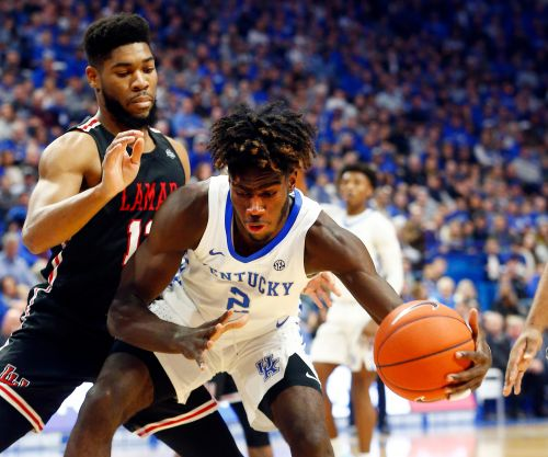 Kentucky basketball's Kahlil Whitney, a former top recruit, announces plans to transfer